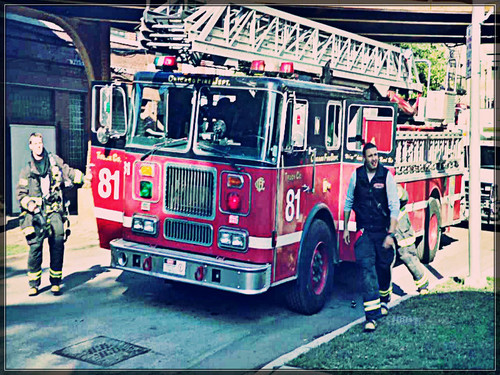 Chicago feuer (2012 TV Series) Hintergrund possibly with a feuer engine and a ladder truck titled ★ Chicago feuer ☆