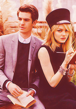 Andrew Гарфилд and Emma Stone Обои probably with a business suit called » andrew & emma «