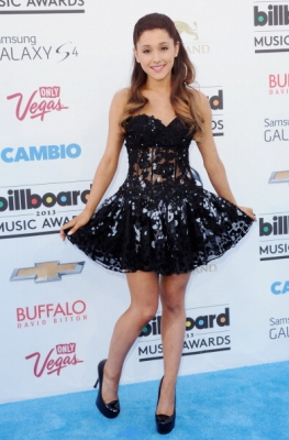 19.May - Attending the Billboard Music Awards 2013 - Arrivals