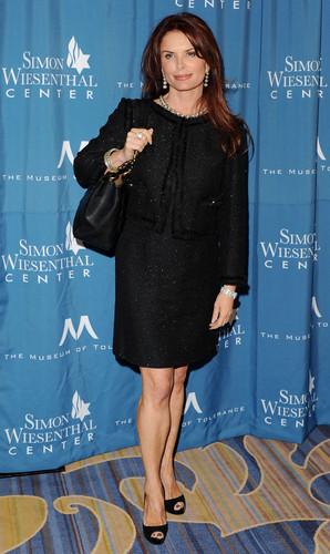 2011 Wiesenthal Center National Tribute رات کے کھانے, شام کا کھانا Honoring Tom Cruise