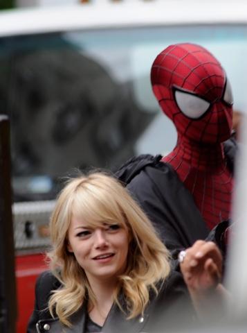 Andrew & Emma on set of Spiderman 2