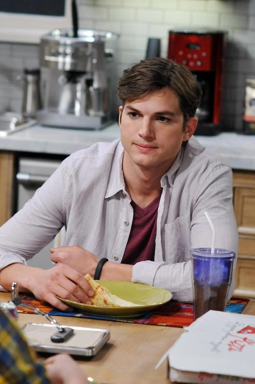 Ashton Kutcher Ashton Kutcher Two and a half menAshton Kutcher 2013 Two And A Half Men