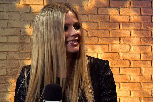 Avril Lavigne ~ MTV News Interview