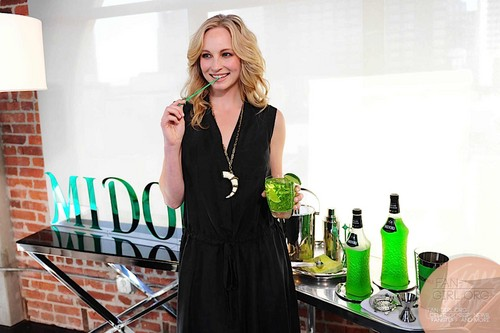 BTS of the 2013 Midori Ad Campaign photoshoot featuring Candice [HQ].