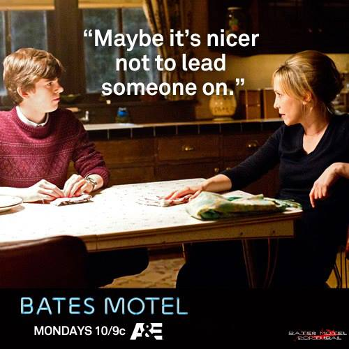 Bates Motel karatasi la kupamba ukuta possibly with a brasserie, a chajio, chakula cha jioni table, and a sign called Bates Motel nukuu