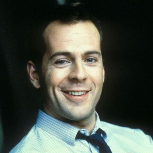 Bruce Willis wallpaper probably containing a business suit called Bruce