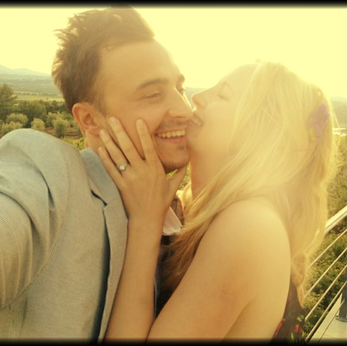 Candice and Joe just got engaged! ♥