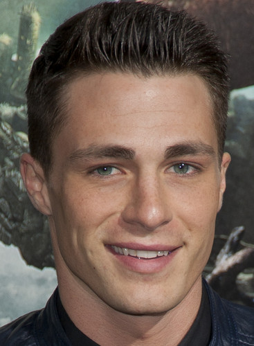 Colton Haynes wallpaper possibly containing a portrait titled Colton Haynes♥