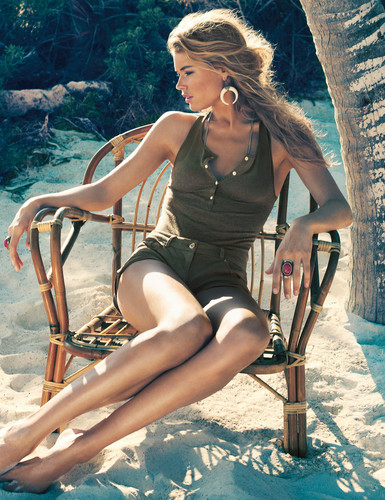 Doutzen Kroes for H&M Sensual  Summer 2013-003
