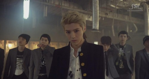 EXO-K fondo de pantalla with a business suit, a suit, and a three piece suit titled EXO- lobo MV teaser