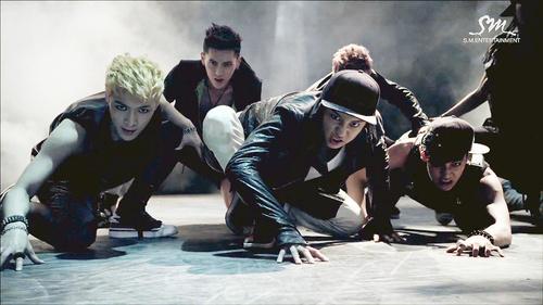 EXO ~ 狼, オオカミ Teaser