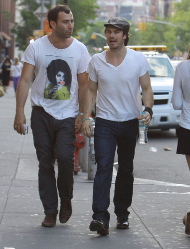 Ian Somerhalder Grabs Lunch in NYC