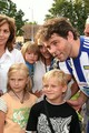 Jagr and children