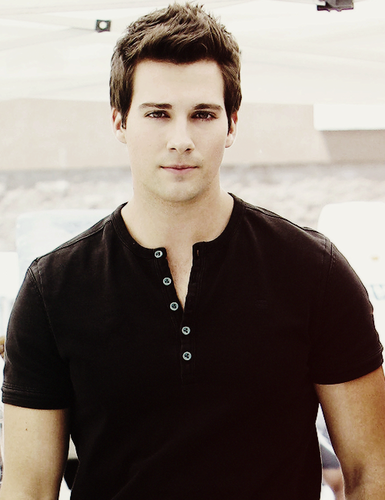 Ingrid's Graceland wallpaper entitled James Maslow ಇ