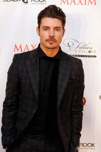 Josh Henderson wallpaper containing a business suit, a well dressed person, and a suit titled Josh Henderson