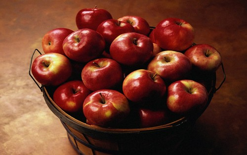 Juicy Red Apple