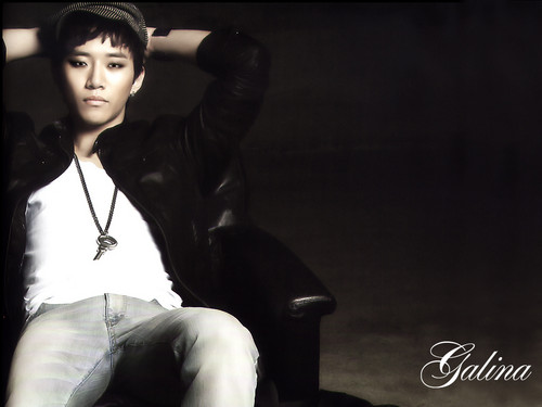 2pm fond d'écran possibly containing a well dressed person titled Junho