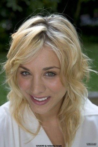 Kaley Cuoco | Photoshoots