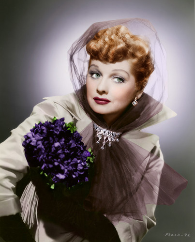 Lucille Ball پیپر وال probably with a bouquet entitled Lucille Ball