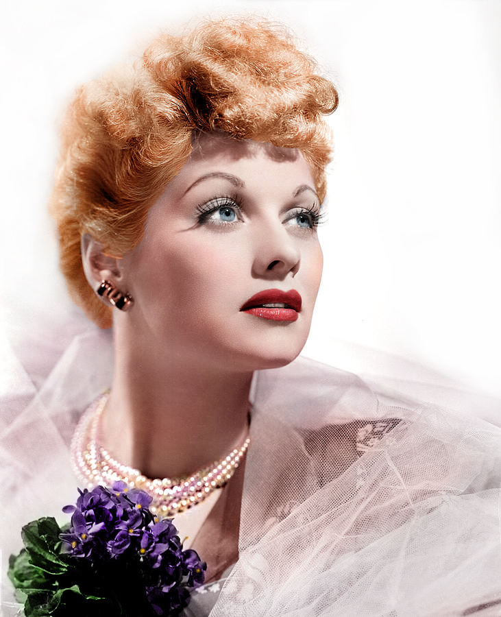 Lucille Ball Fans Want 'frightening' Statue In Star's