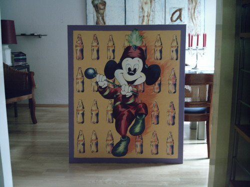 Mickey ماؤس Painting with Coke bottles