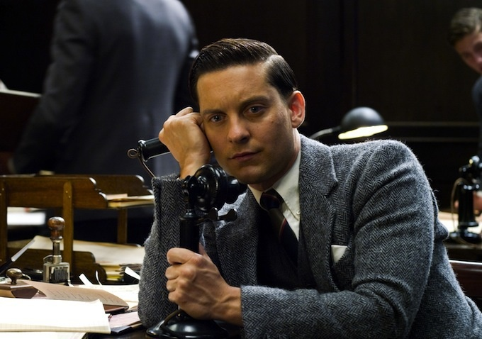 a character analysis of nick carraway in the great gatsby by f scott fitzgerald Free study guide-the great gatsby by f scott fitzgerald-book notes character analysis nick carraway gatsby is seen as a tragic character who had a true.