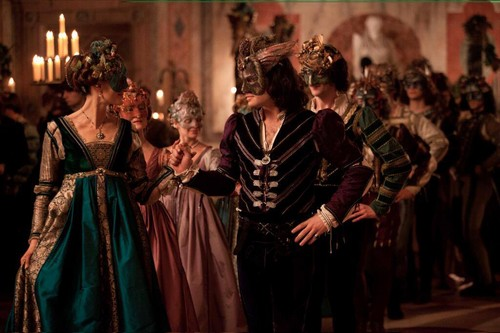 ROMEO & JULIET POSTER & HD STILLS.
