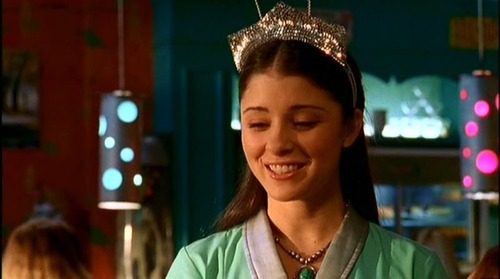 Shiri Appleby as Liz Parker in Roswell