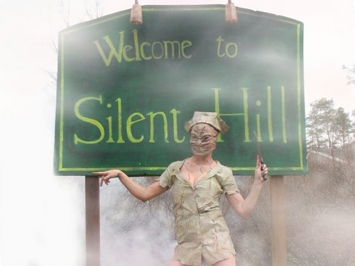 Silent Hill wallpaper with a green beret, a rifleman, and fatigues entitled Silent Hill Nurse