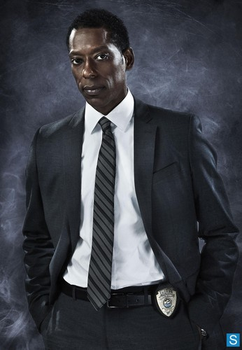Sleepy Hollow (TV Series) karatasi la kupamba ukuta with a business suit, a suit, and a single breasted suit called Sleepy Hollow | Promo Pics