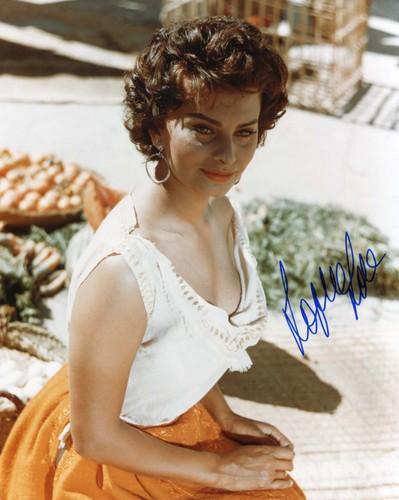 Sophia Loren AK scan