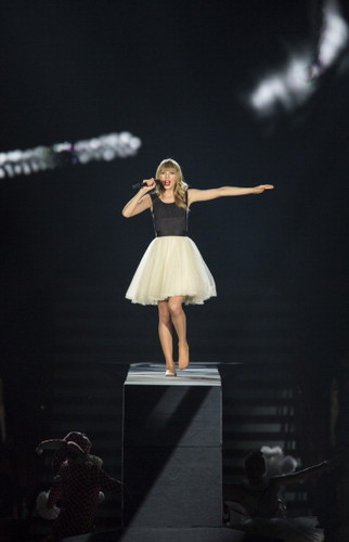 Taylor in the Red Tour <3