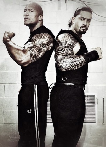 "Dwayne ""The Rock"" Johnson achtergrond titled The Rock and Roman Reigns"
