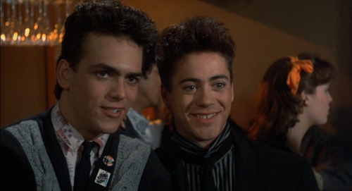 Robert Downey Jr karatasi la kupamba ukuta containing a business suit called Weird Science