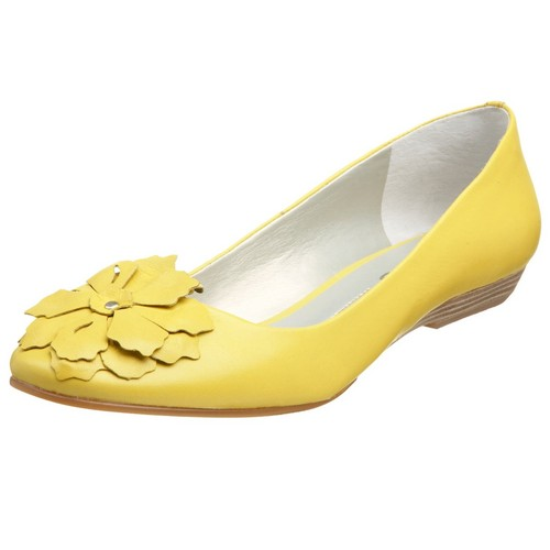 Colors wallpaper possibly with a loafer, a moccasin, and flats entitled Yellow Shoes