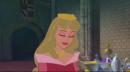 aroura's royal-duty look