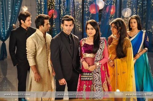 Program Guide | Geo Kahani | Dramas, TV Shows, TV Serials