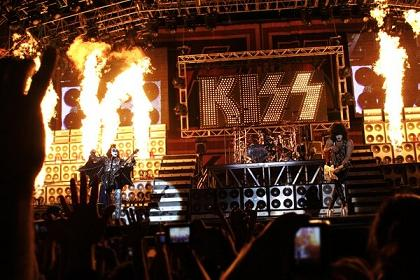 ☆ Kiss - Live April - 2009 ☆