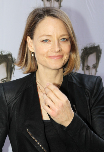 "Jodie Foster fond d'écran containing a well dressed person and a business suit titled ""Macbeth"" Broadway Opening Night 2013"