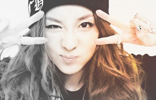 G Dragon No Makeup Sandara Park ♦ - 2NE...