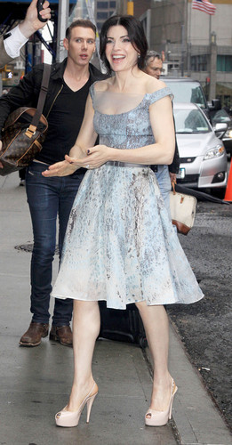 """""""The Late montrer With David Letterman"""" arrivals 2011"""