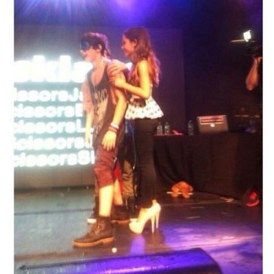10.June.2013 - Ariana surprises Jai on Stage at a Janoskians Concert in NYC
