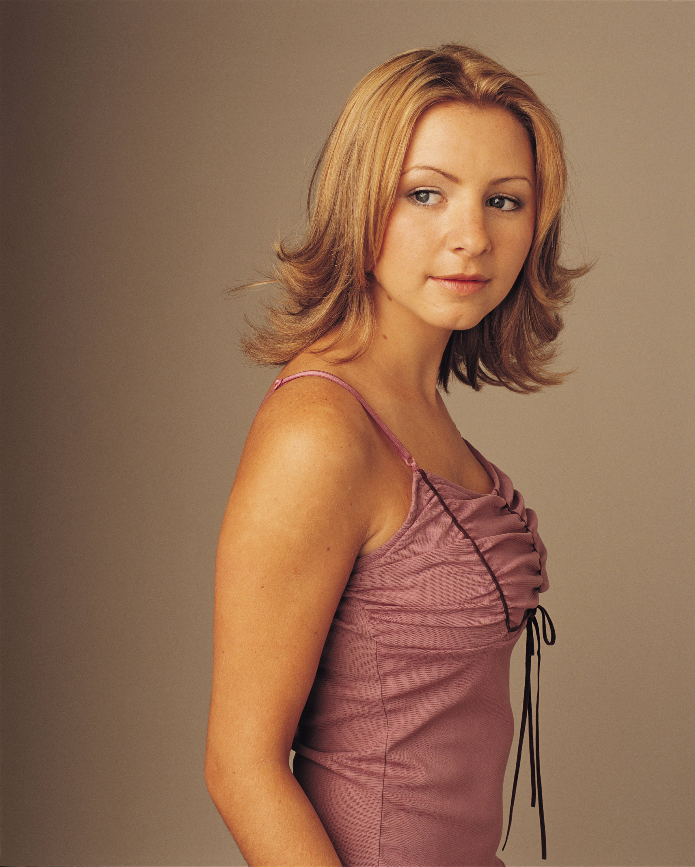 7th heaven season 7 promoshoot beverley mitchell photo for 7 a la maison casting