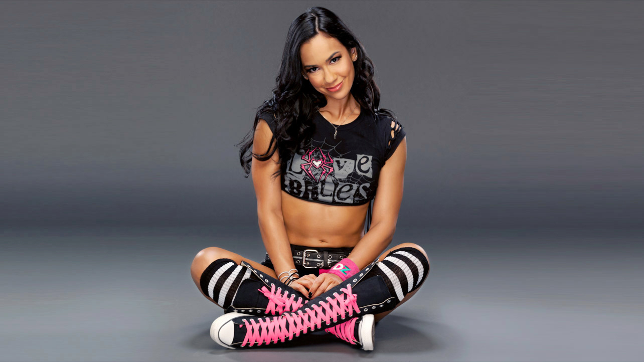 who are the wwe divas dating in real life