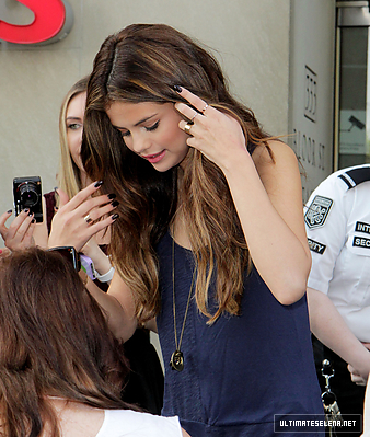 ARRIVING AT RADIO Kiss 92.5 IN TORONTO - MAY 30