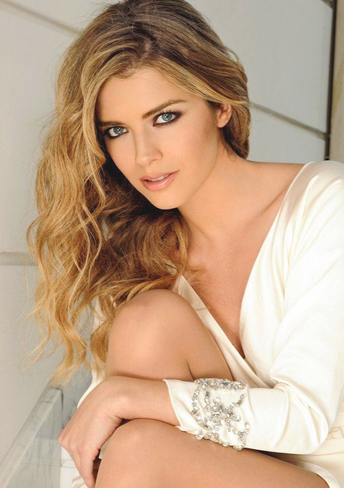 Alexandra Dinu romania actress famous romanians girls