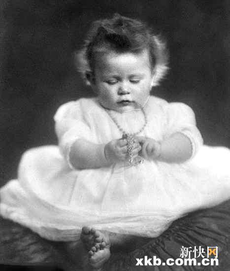 Baby foto of queen Elizabeth