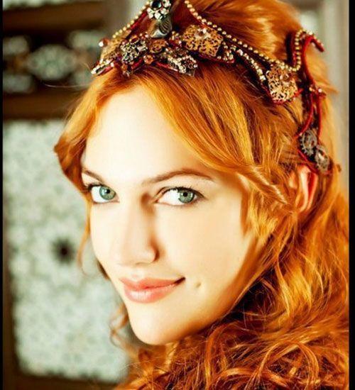 Beautiful Meryem Uzerli as Hurrem
