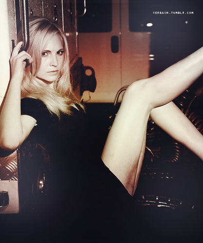 Candice Accola 壁纸 containing bare legs titled C <3