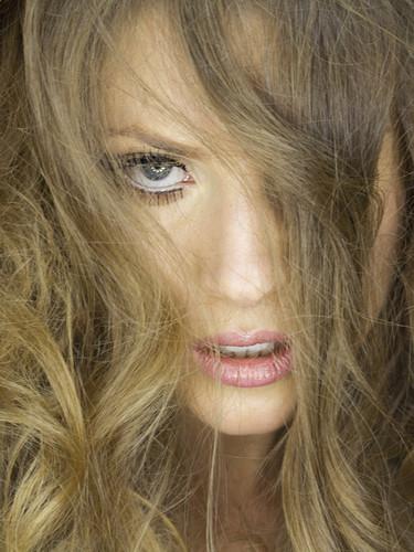 Candice De Visser merah jambu Lips